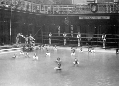 Boys' swimming class at Great Smith Street Baths, 1916. Image property of Westminster City Archives.