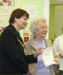 The Lord Mayor, Judith Warner, presented the participants with certificates.