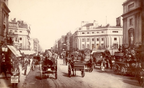 Oxford Street in the 1890s. Image property of Westminster City Archives.