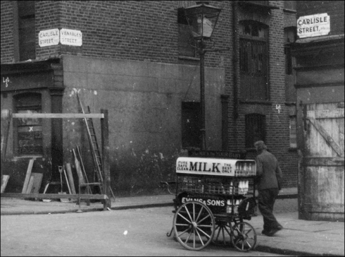 Welsh dairyman, Carlisle Street at the junction with Venables Street, 1932. Image property of Westminster City Archives