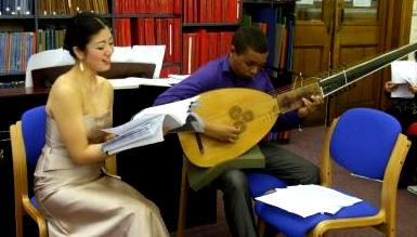 Soprano Ai Sakabayashi and lutenist Wezi Elliott at Westminster Music Library, February 2014