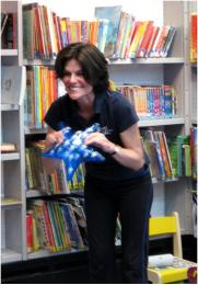 Nora from Stretch and Grow at Charing Cross Library, for the Summer Reading Challenge 2014