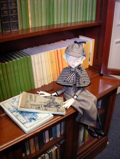 Japanese Sherlock puppet visits the Sherlock Holmes Collection, May 2016