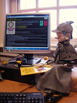 Japanese Sherlock puppet visits the Sherlock Holmes 1951 website, May 2016