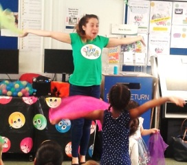 Rachel from Tiny Tunes entertaining the under fives at Marylebone library