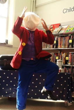Boo Hiccup at Maida Vale Library, August 2016