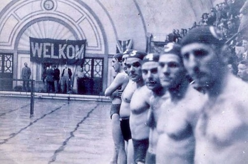 Dutch servicemen at Marshall Street Baths c1939-1945. Image property of Westminster City Archives.