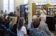 Ruairi Glasheen leads the Rodgers & Hammerstein singalong for Silver Sunday 2016 at Westminster Music Library
