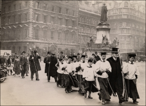 Beating the Bounds, St Clement Danes, 1930s